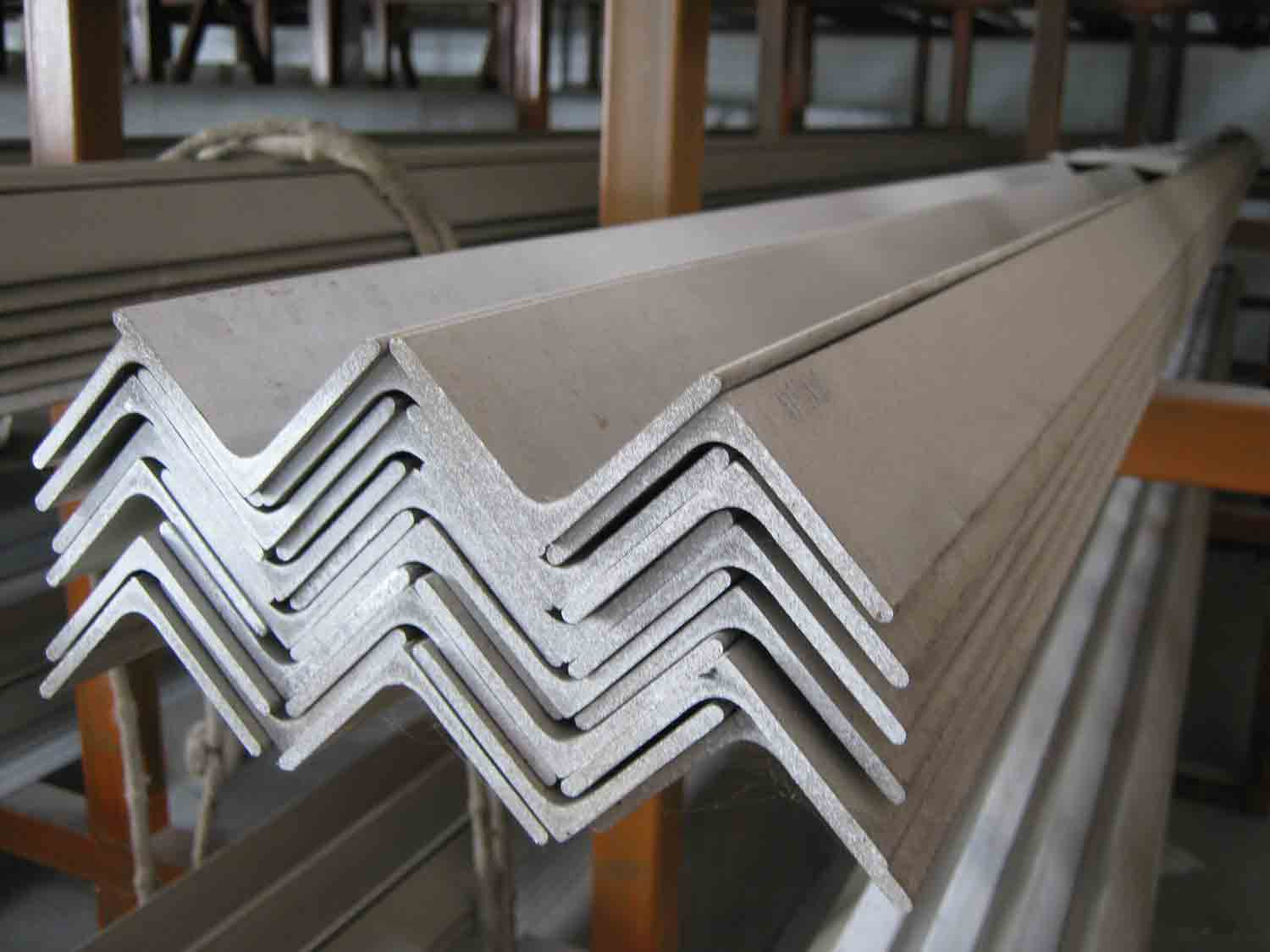 ASTM A36, EN 10025 S275JR, Q235 Steel Angle With Custom Equal or Unequal Angle